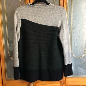 Alfani color block sweater size XS
